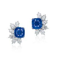 垫形蓝宝石耳环配钻石 - 面前