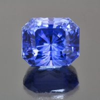 Blue sapphire radiant cut 39 cts Caram_front view