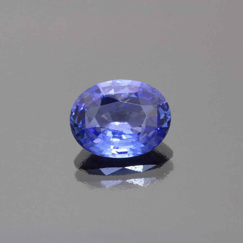 Cornflower blue sapphire oval by Caram_front view