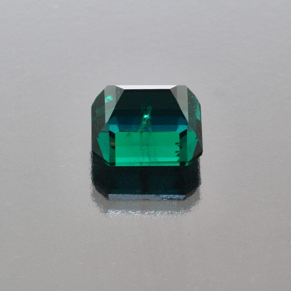 Emerald octagon 6.77 cts Madagascar by Caram_back view