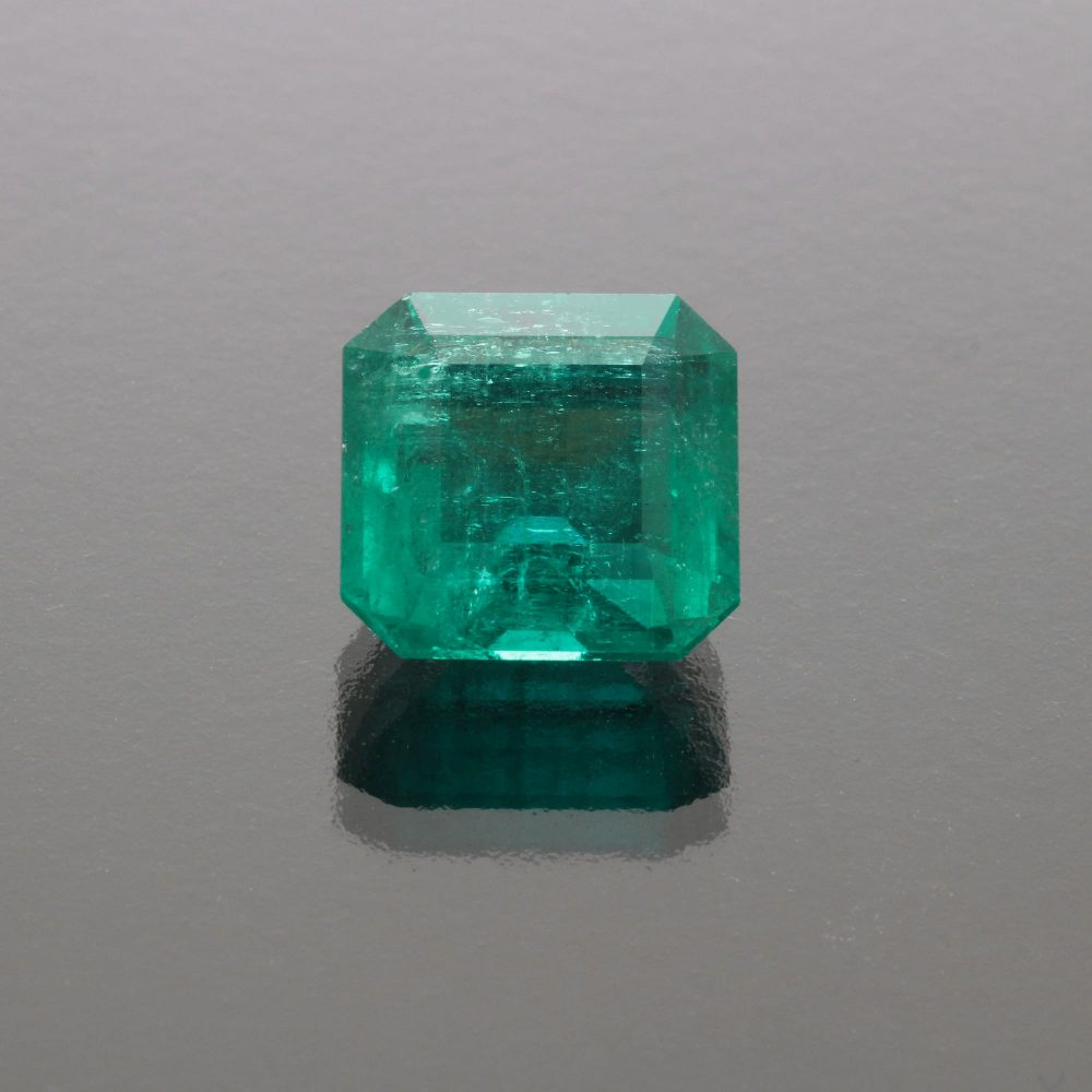 Emerald octagon 9.93 cts Colombia by Caram_front view