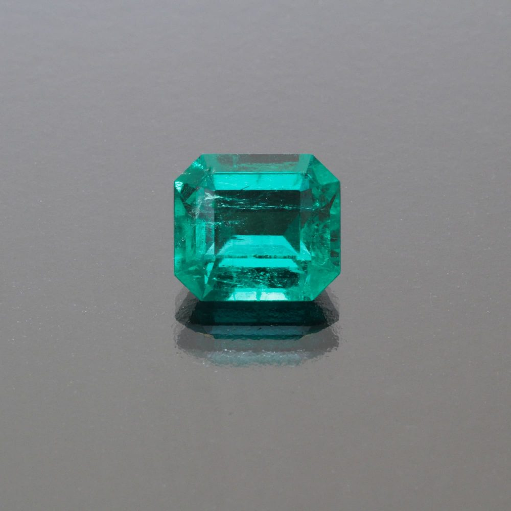 Emerald octagon Colombia 3.65 cts_front view