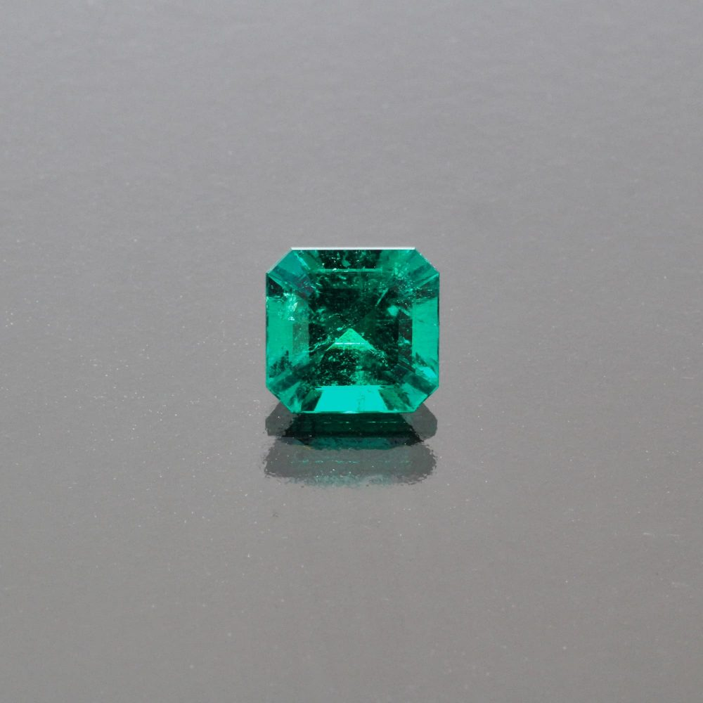 Emerald octagon Colombia no oil by Caram_front view