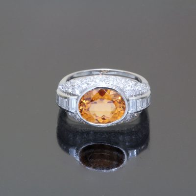 Mandarin garnet oval ring Caram antique front